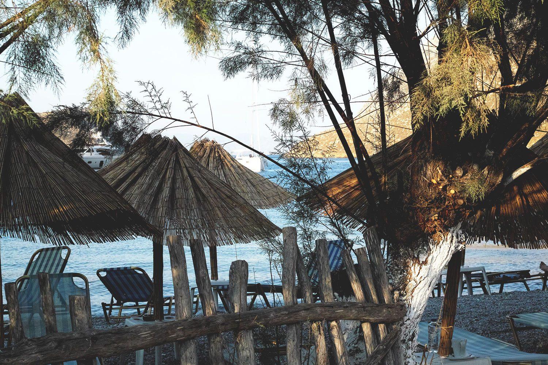 pedi_beach_symi_thevoyageur04
