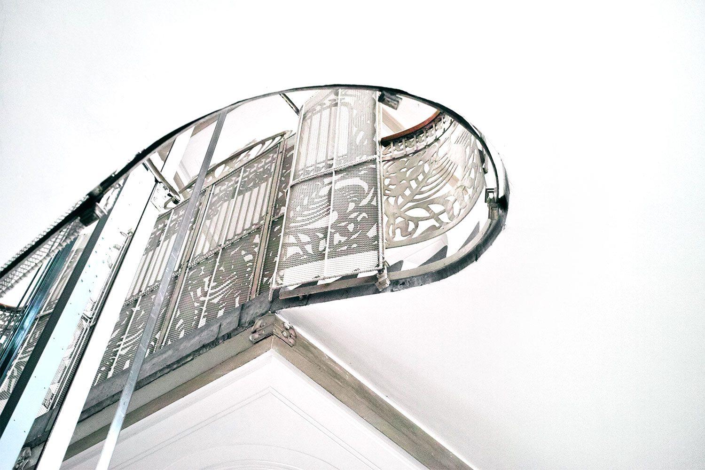 staircase_vienna_austria_thevoyageur02