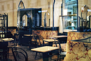 The place : Cafe Tirolerhof, Vienna, Austria