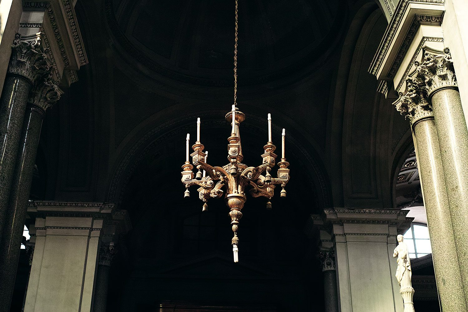 panorama__chandelier_sicily_thevoyageur006