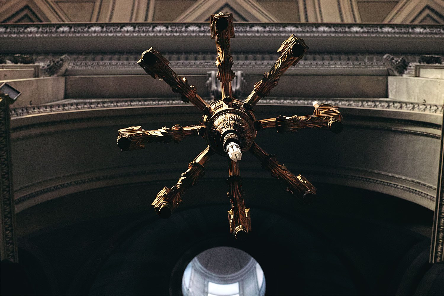 panorama__chandelier_sicily_thevoyageur008