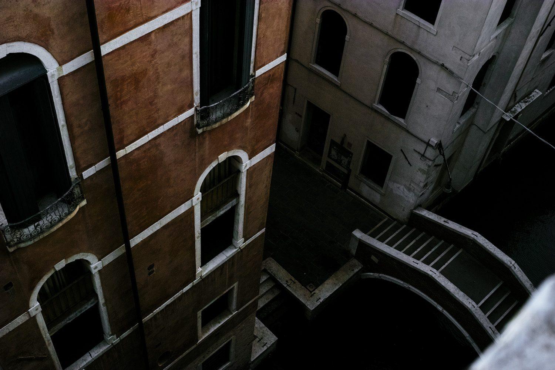 themood_venice_chiaroscuro_italy_thevoyageur004