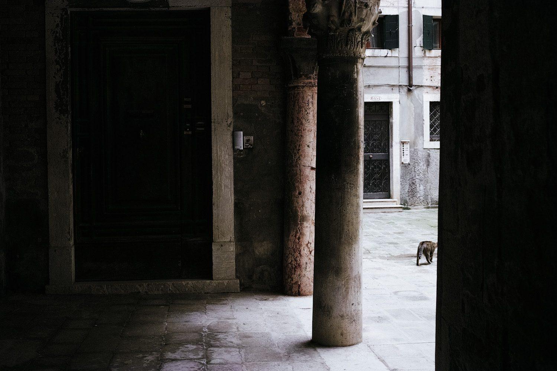 themood_venice_chiaroscuro_italy_thevoyageur011
