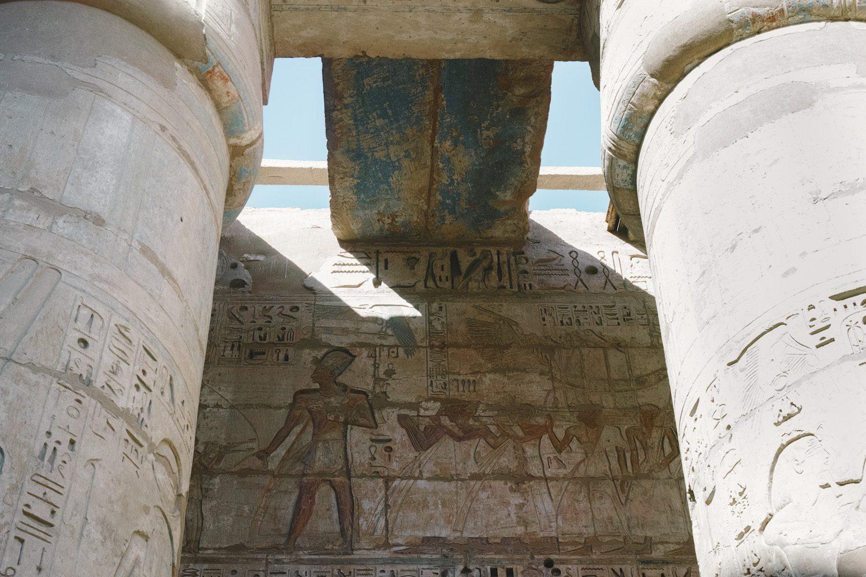 medinet_habou_temple_egypt_thevoyageur016
