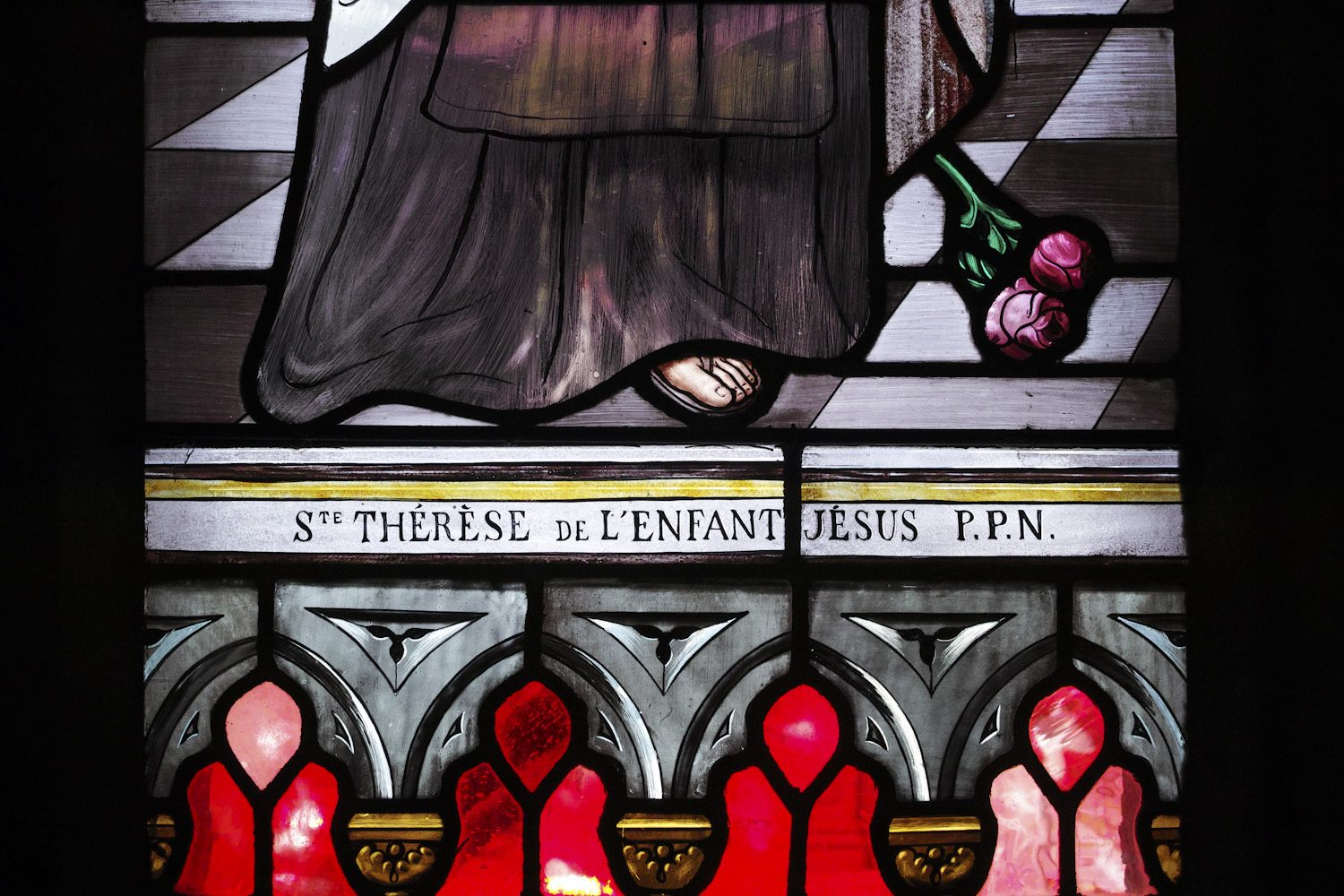 stained_glass_windows_cantal_france_finland_thevoyageur004