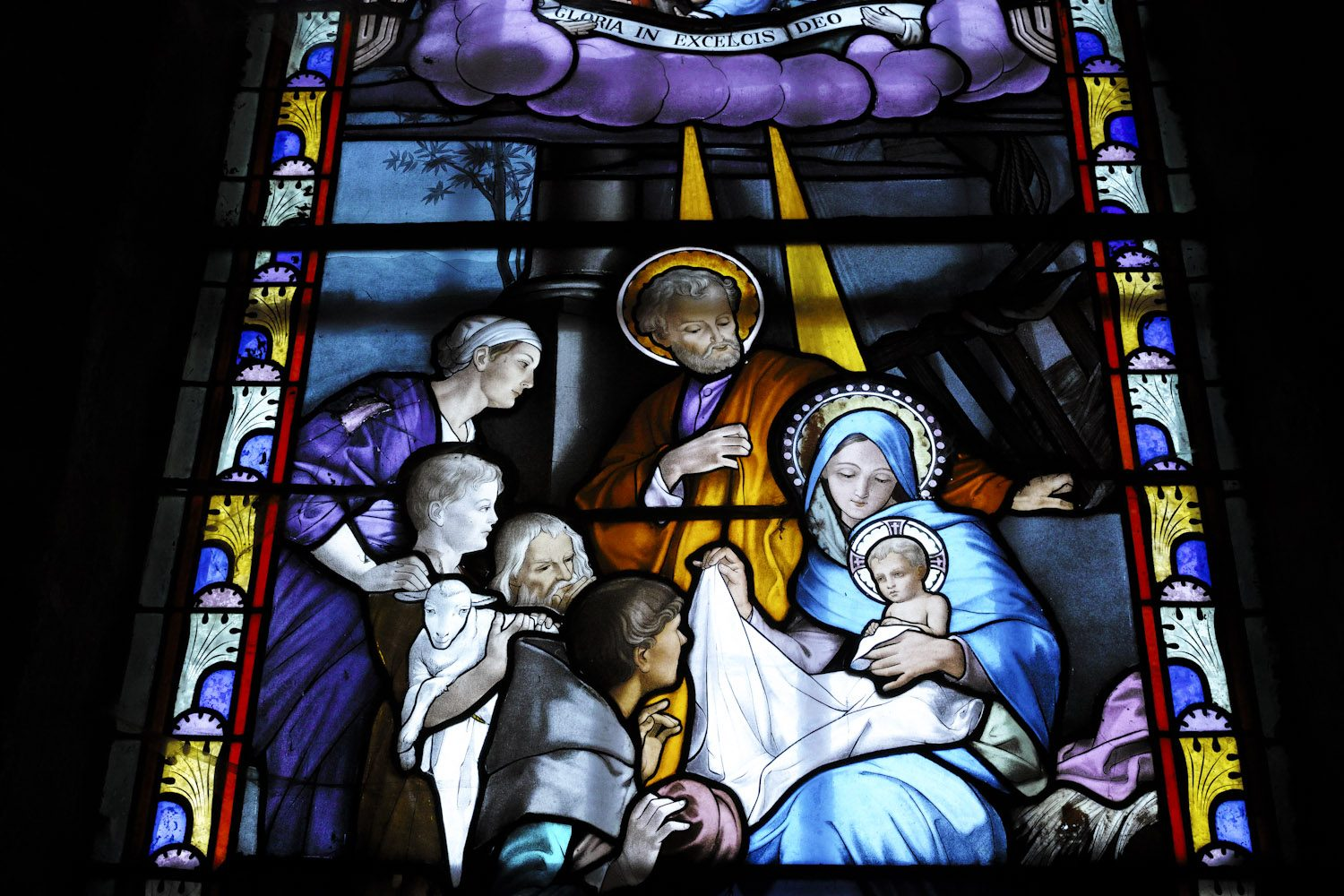 stained_glass_windows_cantal_france_finland_thevoyageur011