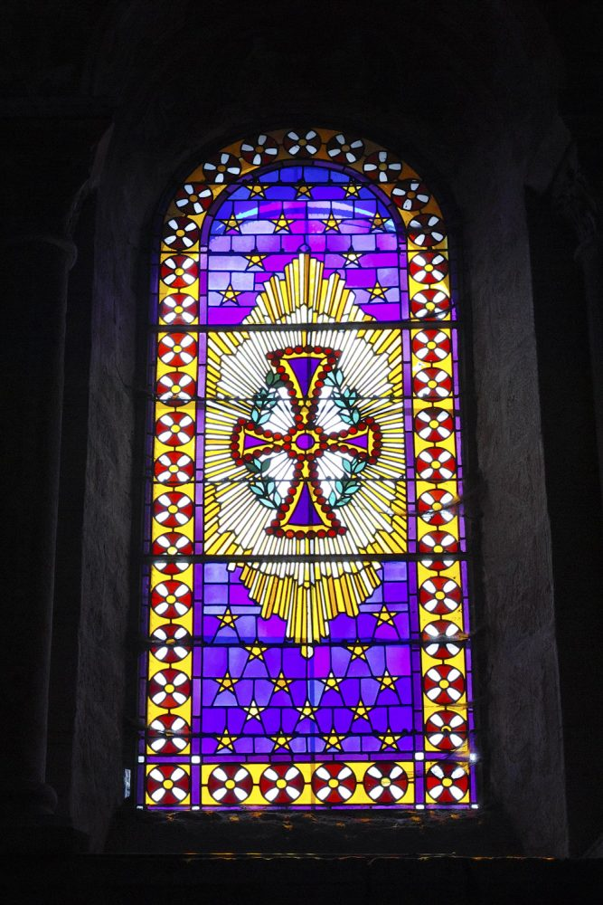 stained_glass_windows_cantal_france_finland_thevoyageur015