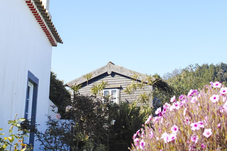 panorama_housesazores_portugal_thevoyageur01