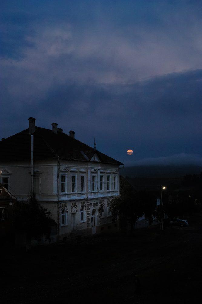 themood_sighisoara_county_transylvania_romania_thevoyageur037